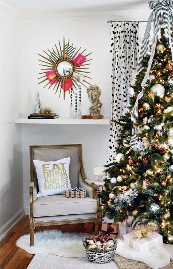 Christmas Decorated Spaces-05-1 Kindesign