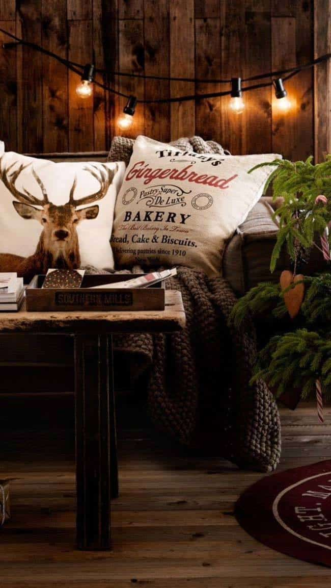 Christmas Decorated Spaces-10-1 Kindesign