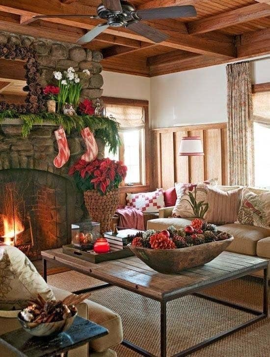 Christmas Decorated Spaces-12-1 Kindesign