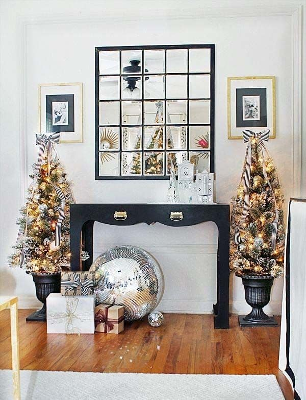 Christmas Decorated Spaces-21-1 Kindesign