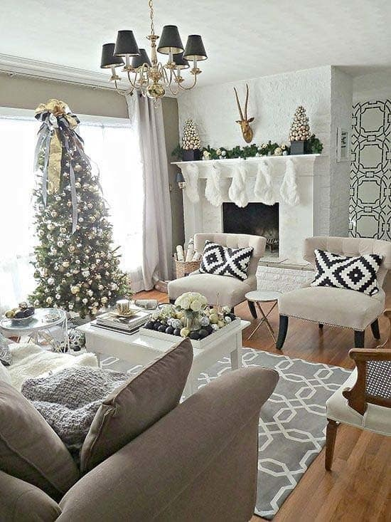 Christmas Decorated Spaces-22-1 Kindesign