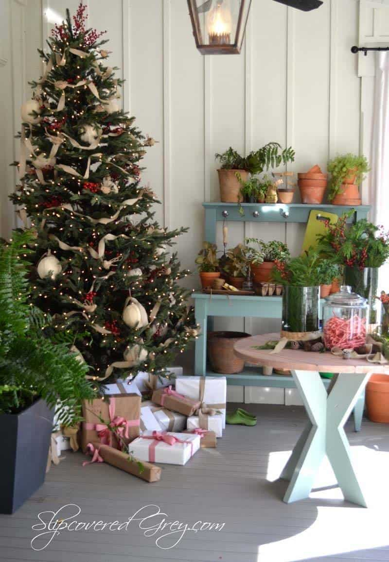 Christmas Decorated Spaces-30-1 Kindesign