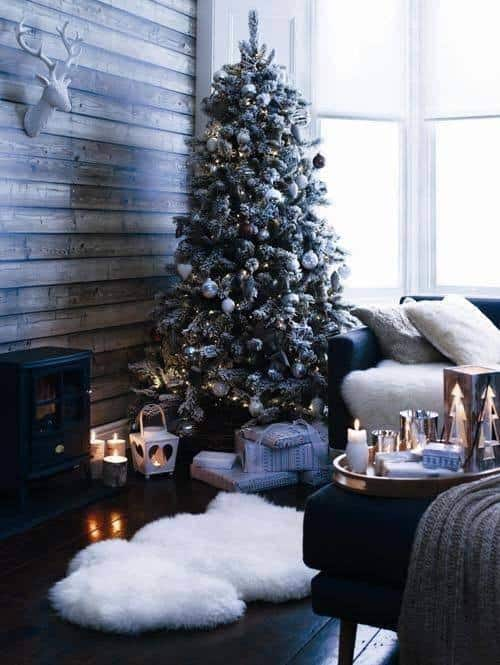 Christmas Decorated Spaces-34-1 Kindesign