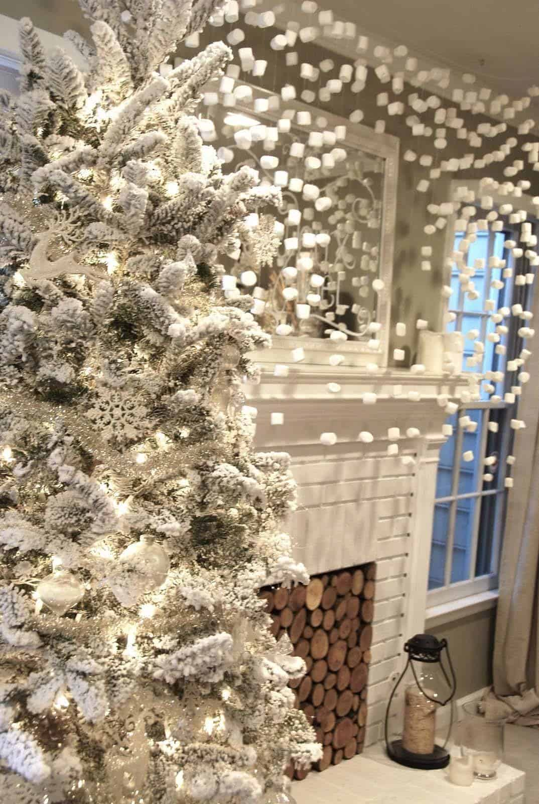 Christmas Decorated Spaces-35-1 Kindesign