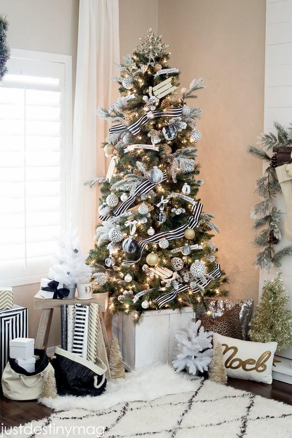 Christmas Tree Decoration Ideas-07-1 Kindesign