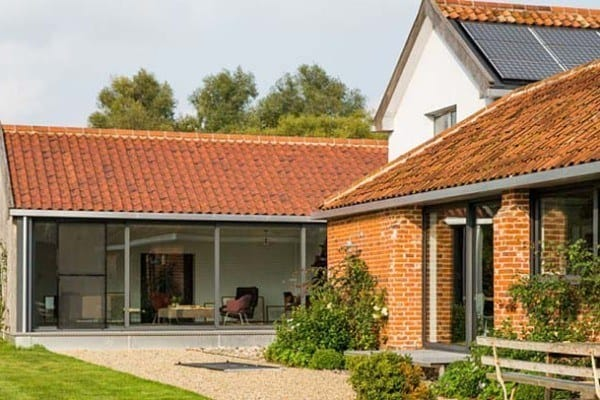 featured posts image for Luminous barn conversion in the English countryside