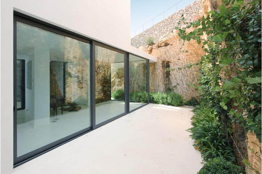 Contemporary Mountain House-Miquel Lacomba-10-1 Kindesign