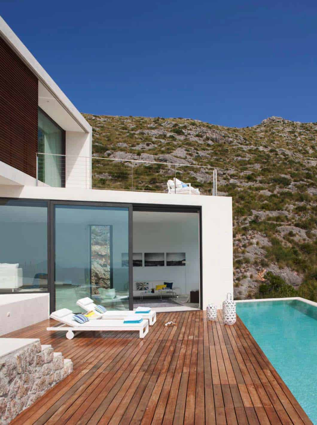 Contemporary Mountain House-Miquel Lacomba-14-1 Kindesign