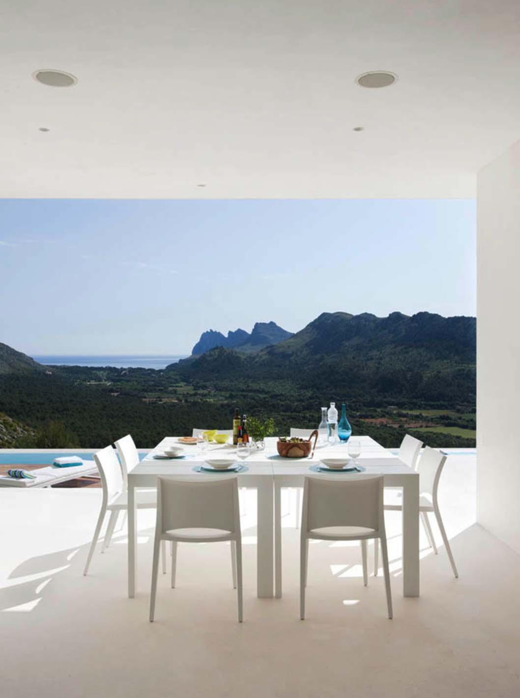 Contemporary Mountain House-Miquel Lacomba-19-1 Kindesign