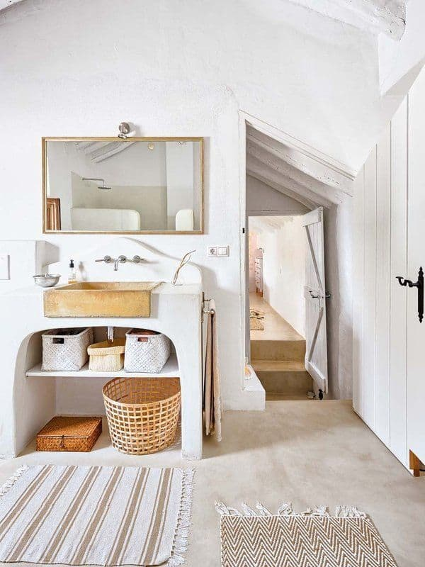 Farmhouse-Renovation-Spain-19-1 Kindesign
