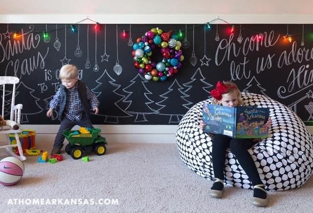 Holiday Decorated Home-Katie Grace Designs-09-1 Kindesign