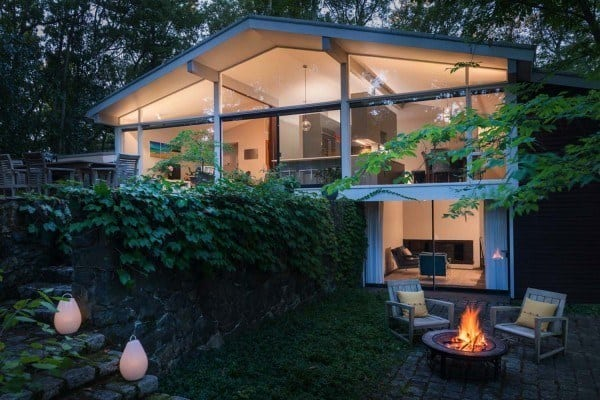 featured posts image for Captivating mid-century modern renovation on Tabor Hill