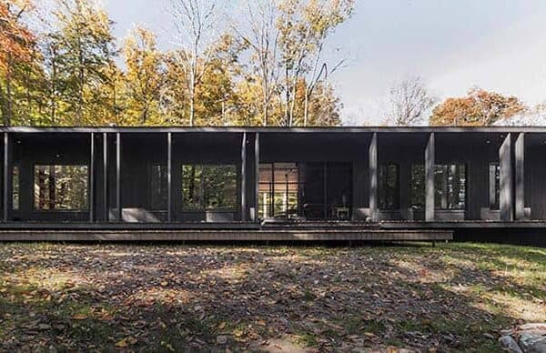 featured posts image for Modern cottage retreat in Quebec's forested landscape