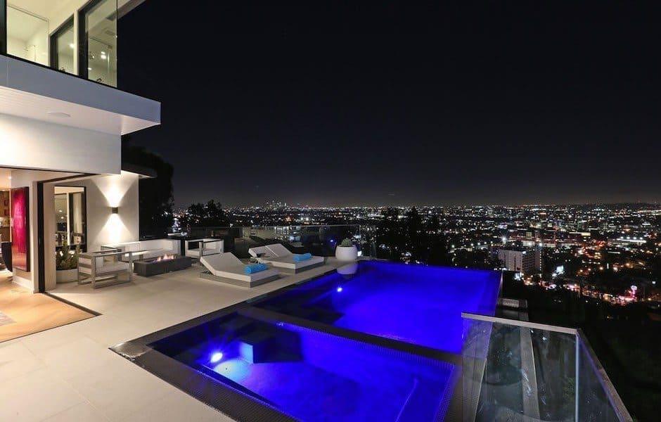 Modern Hollywood Hills Dream Home-01-1 Kindesign