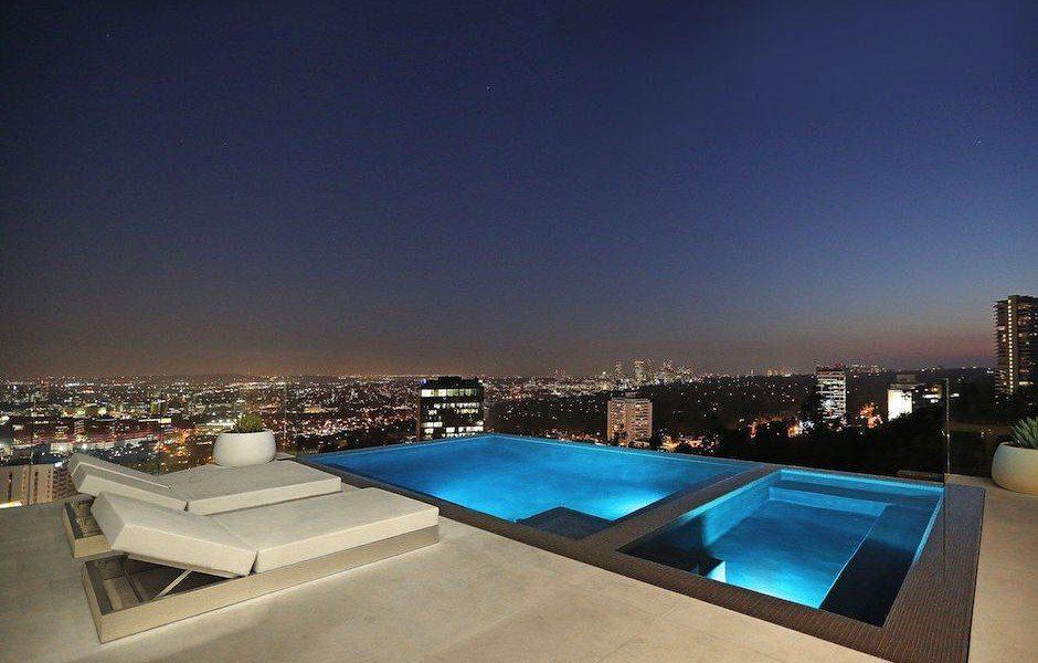 Modern Hollywood Hills Dream Home-02-1 Kindesign