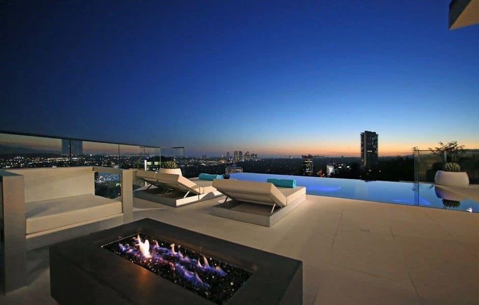 Modern Hollywood Hills Dream Home-03-1 Kindesign