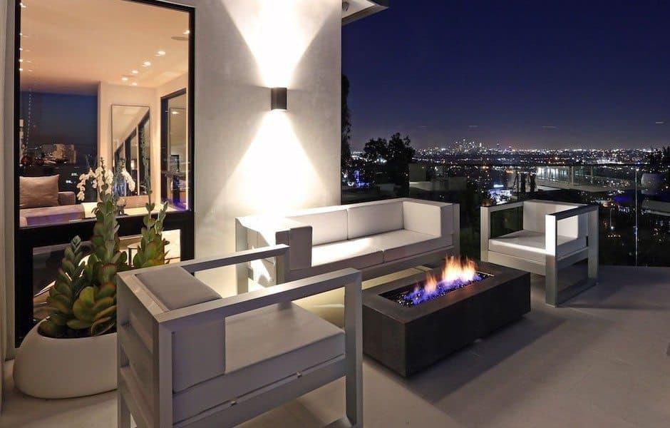 Modern Hollywood Hills Dream Home-04-1 Kindesign