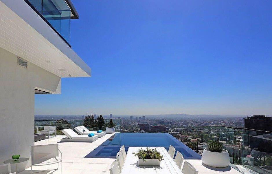 Modern Hollywood Hills Dream Home-15-1 Kindesign