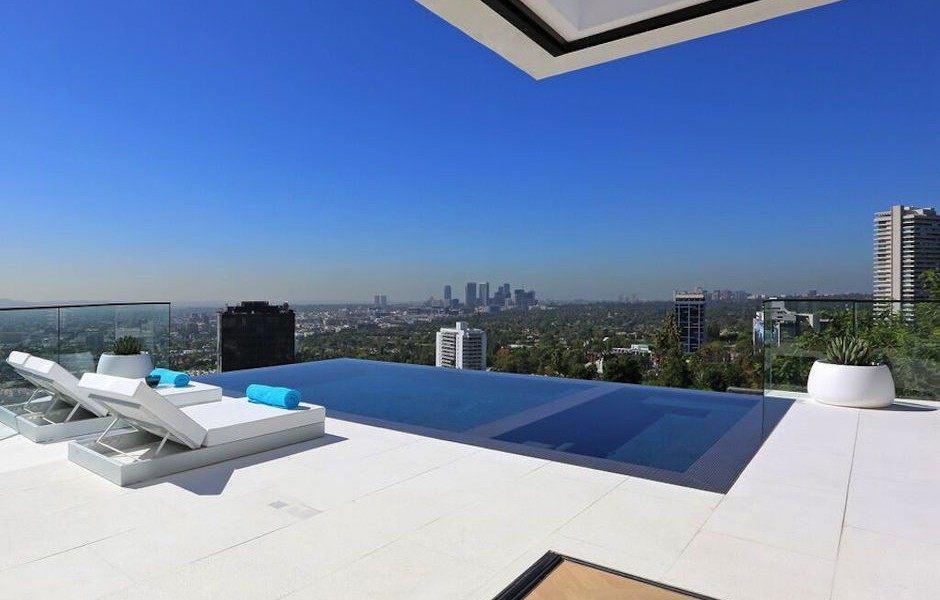 Modern Hollywood Hills Dream Home-16-1 Kindesign