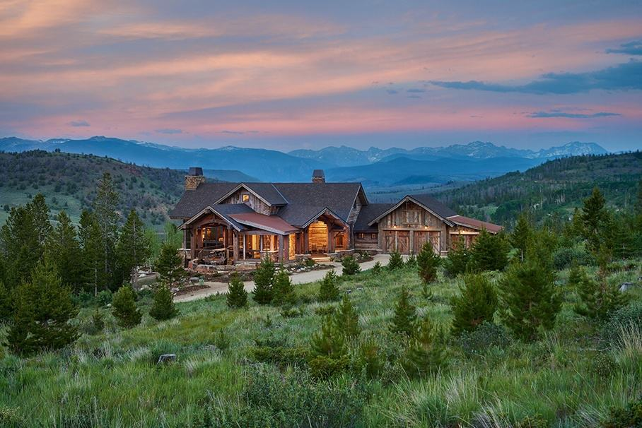 Rustic ranch house in colorado opens to the mountains for The mountain house