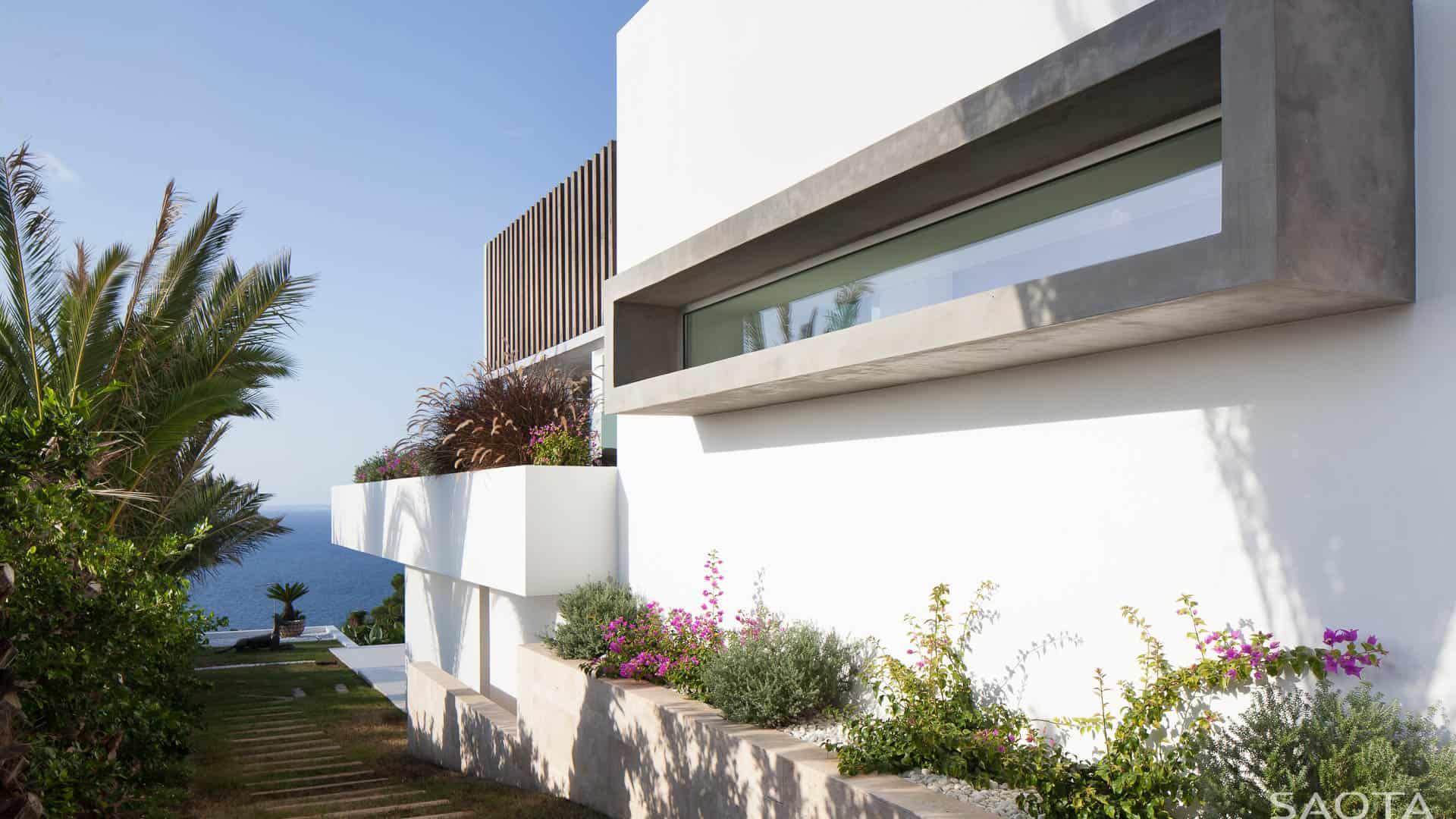 Modern Villa-Ibiza-SAOTA-04-1 Kindesign