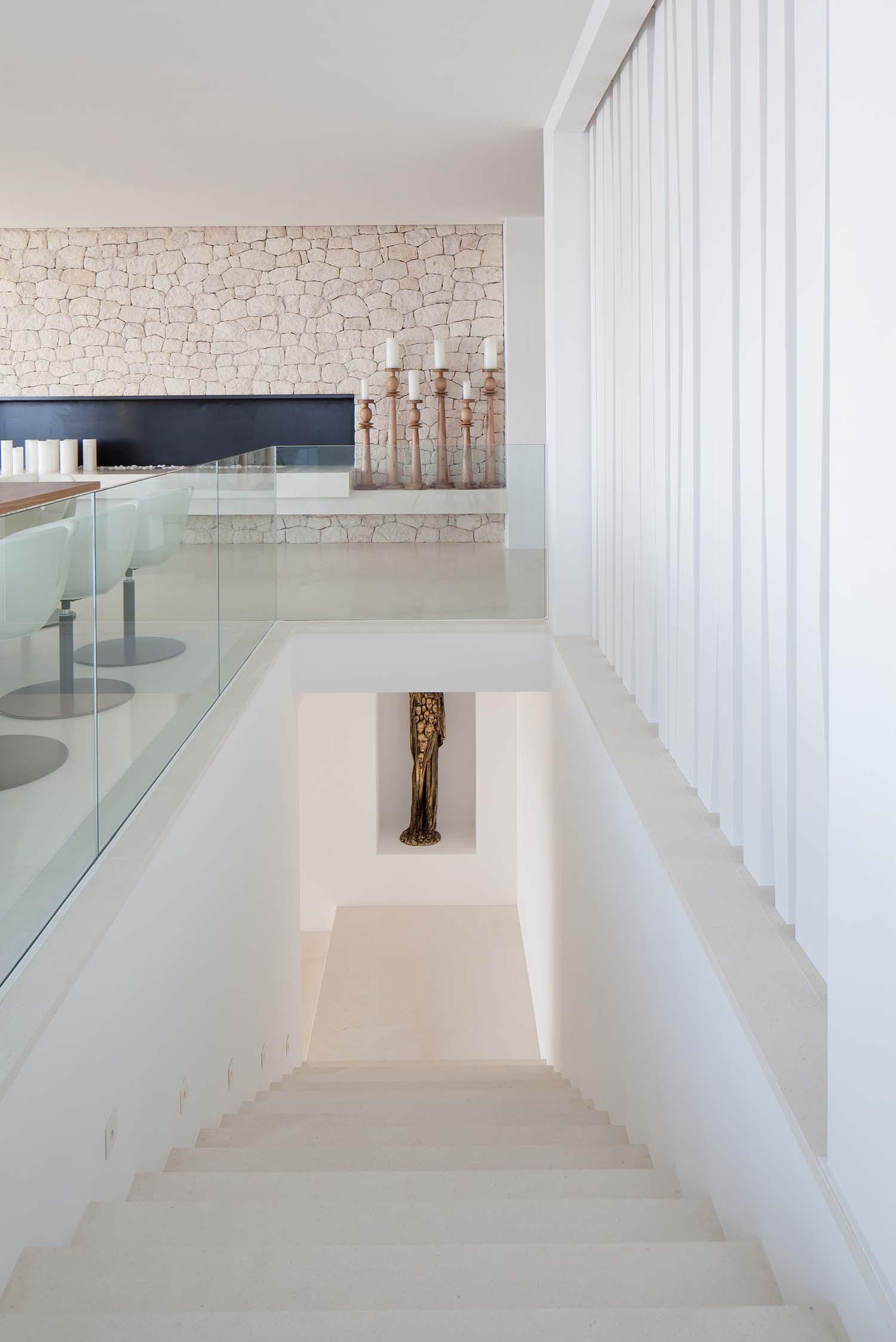 Modern Villa-Ibiza-SAOTA-20-1 Kindesign