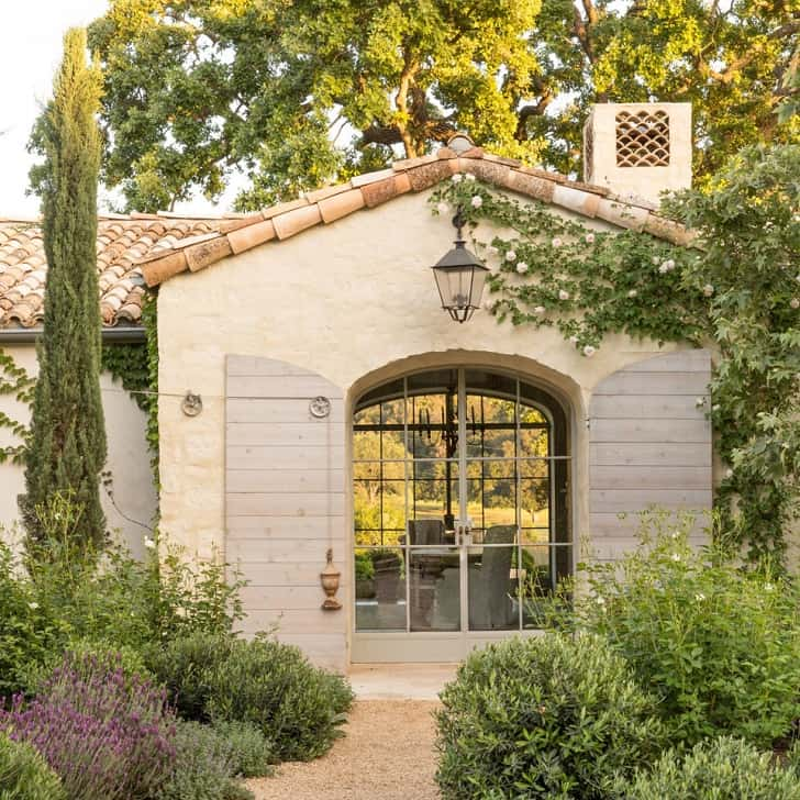 Provencal Style Home-Giannetti Home-12-1 Kindesign