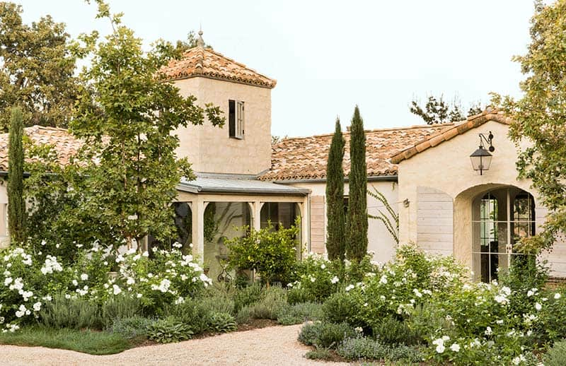 Provencal Style Home-Giannetti Home-13-1 Kindesign