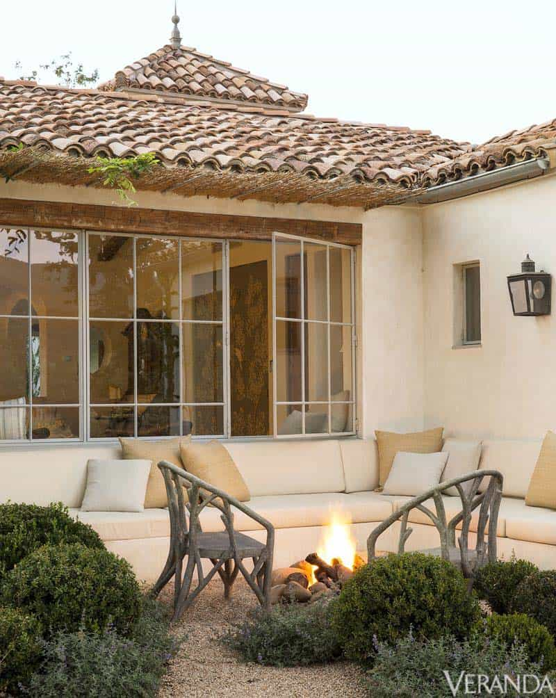 Provencal Style Home-Giannetti Home-14-1 Kindesign
