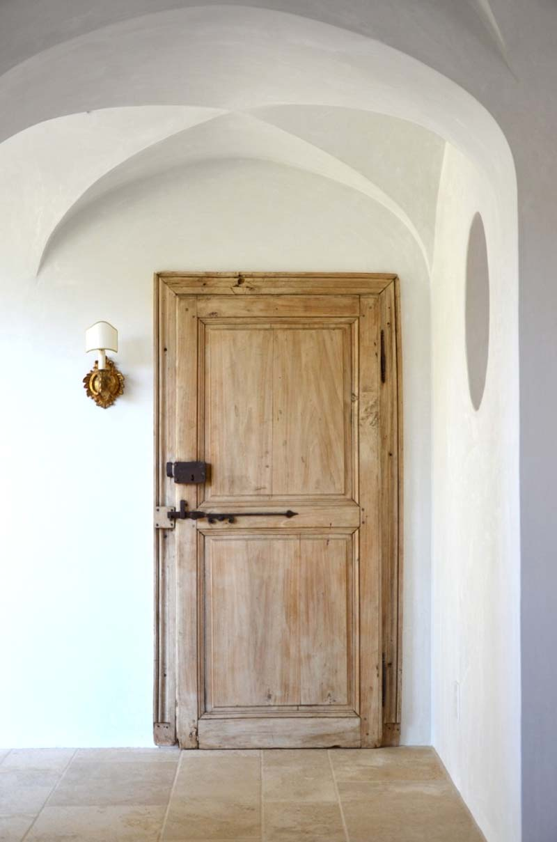 Provencal Style Home-Giannetti Home-20-1 Kindesign