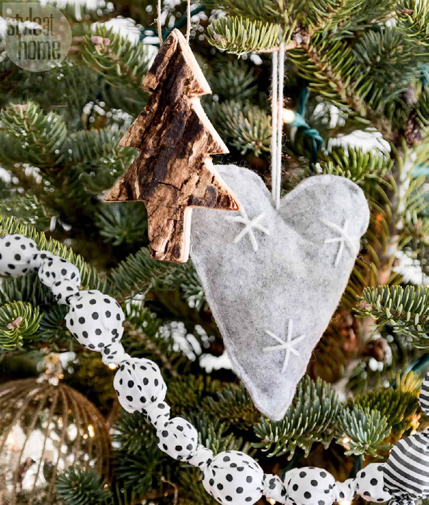 Scandinavian Christmas Home-05-1 Kindesign