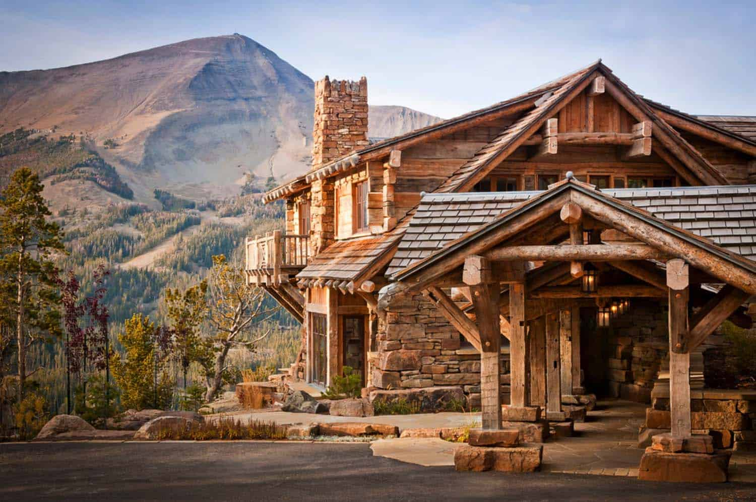Traditional Mountain Home-Pearson Design Group-02-1 Kindesign