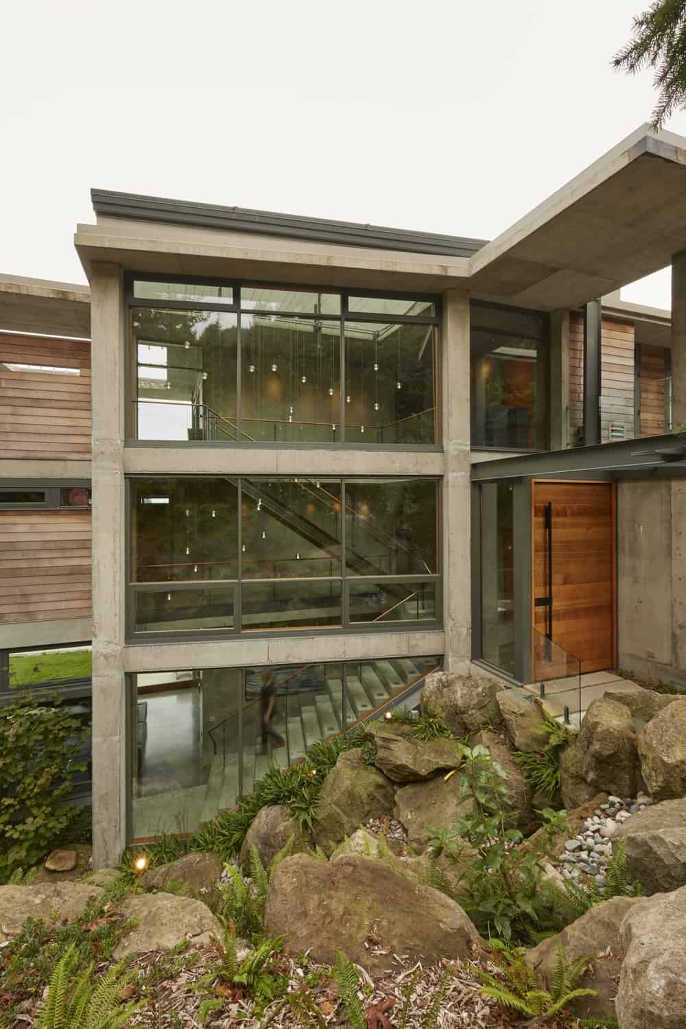 Contemporary Waterfront Home-McClellan Architects-03-1 Kindesign