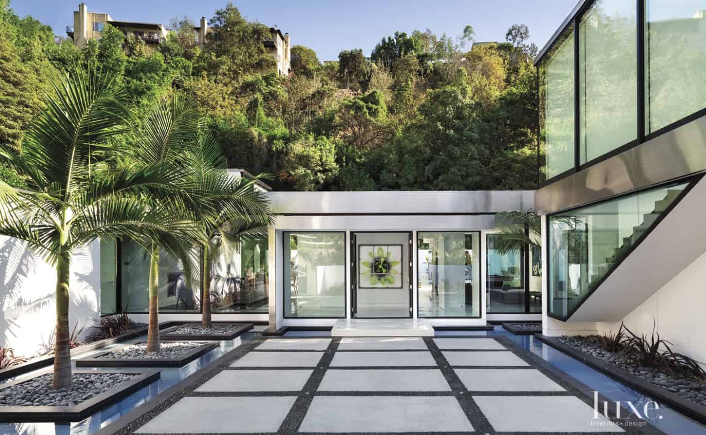 Modern-Home-Renovation-Belzberg Architects-00-1 Kindesign