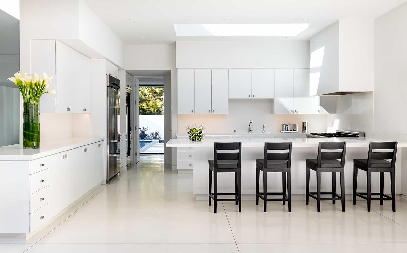 Modern-Home-Renovation-Belzberg Architects-08-1 Kindesign