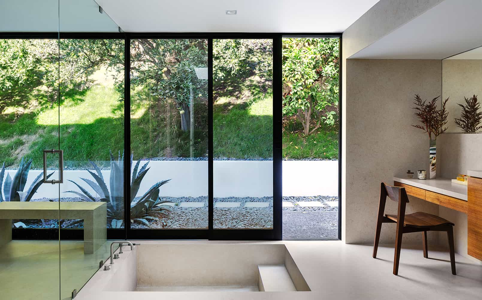 Modern-Home-Renovation-Belzberg Architects-12-1 Kindesign