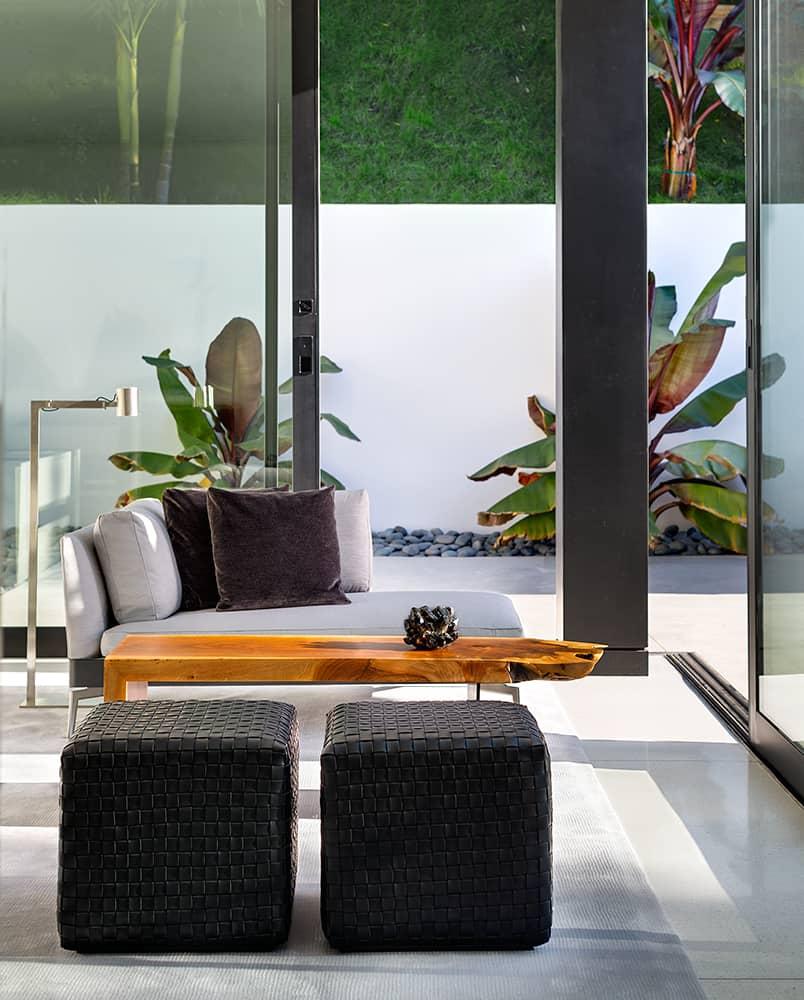 Modern-Home-Renovation-Belzberg Architects-15-1 Kindesign