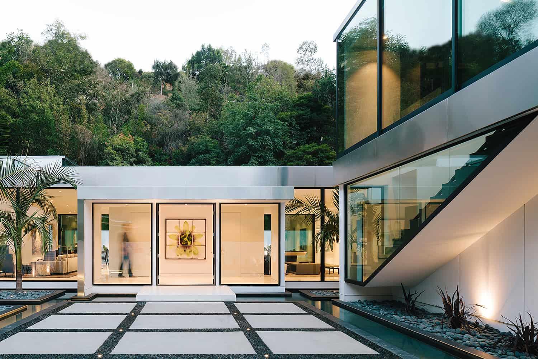 Modern-Home-Renovation-Belzberg Architects-19-1 Kindesign