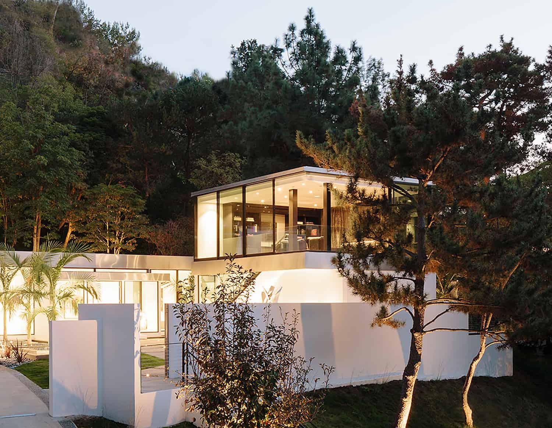 Modern-Home-Renovation-Belzberg Architects-23-1 Kindesign