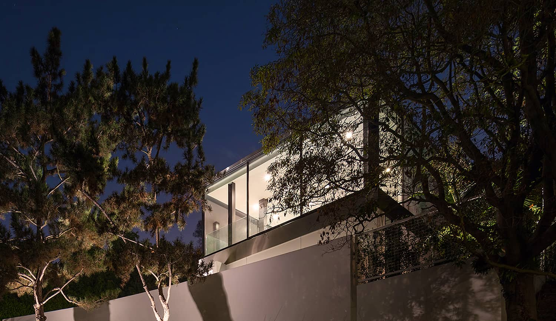 Modern-Home-Renovation-Belzberg Architects-24-1 Kindesign