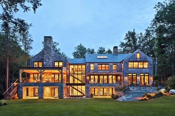 featured posts image for A treehouse-inspired lakeside retreat in Westchester Country