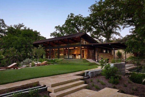 featured posts image for Texas Hill Country ranch home offers a water's edge retreat