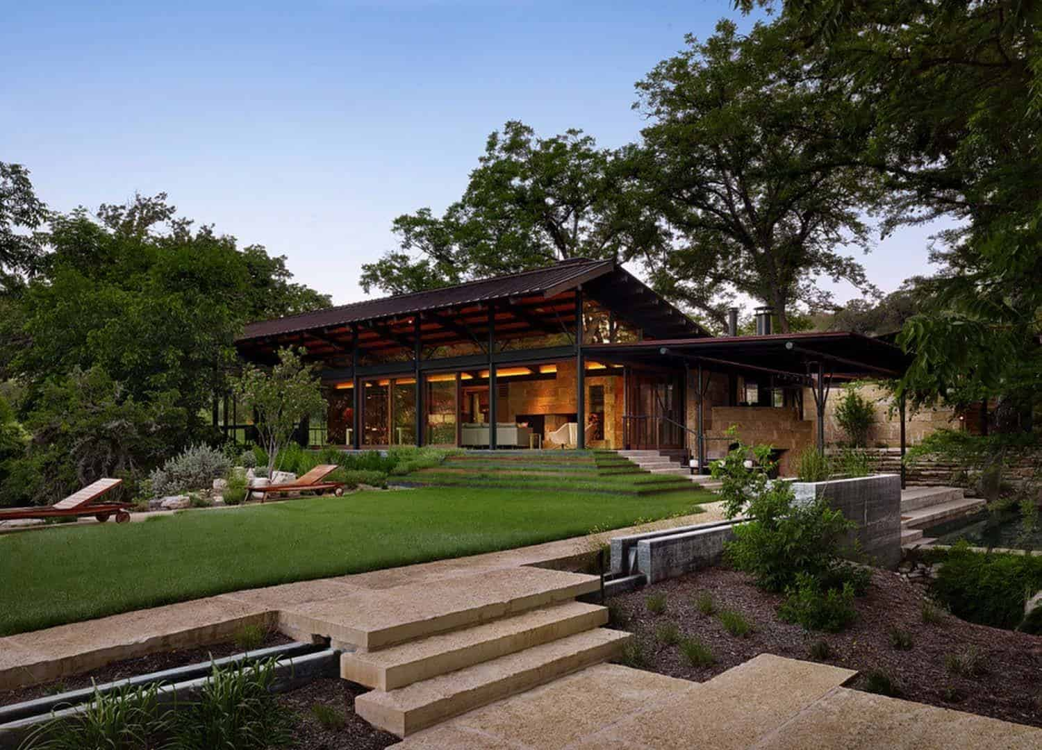 Texas hill country ranch home offers a water 39 s edge for Mid century modern ranch style house plans
