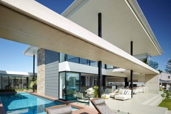 featured posts image for Impressive indoor-outdoor riverfront living in Queensland, Australia