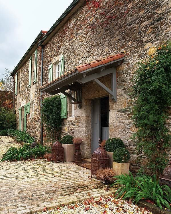 Beautiful Renovated Farmhouse-14-1 Kindesign