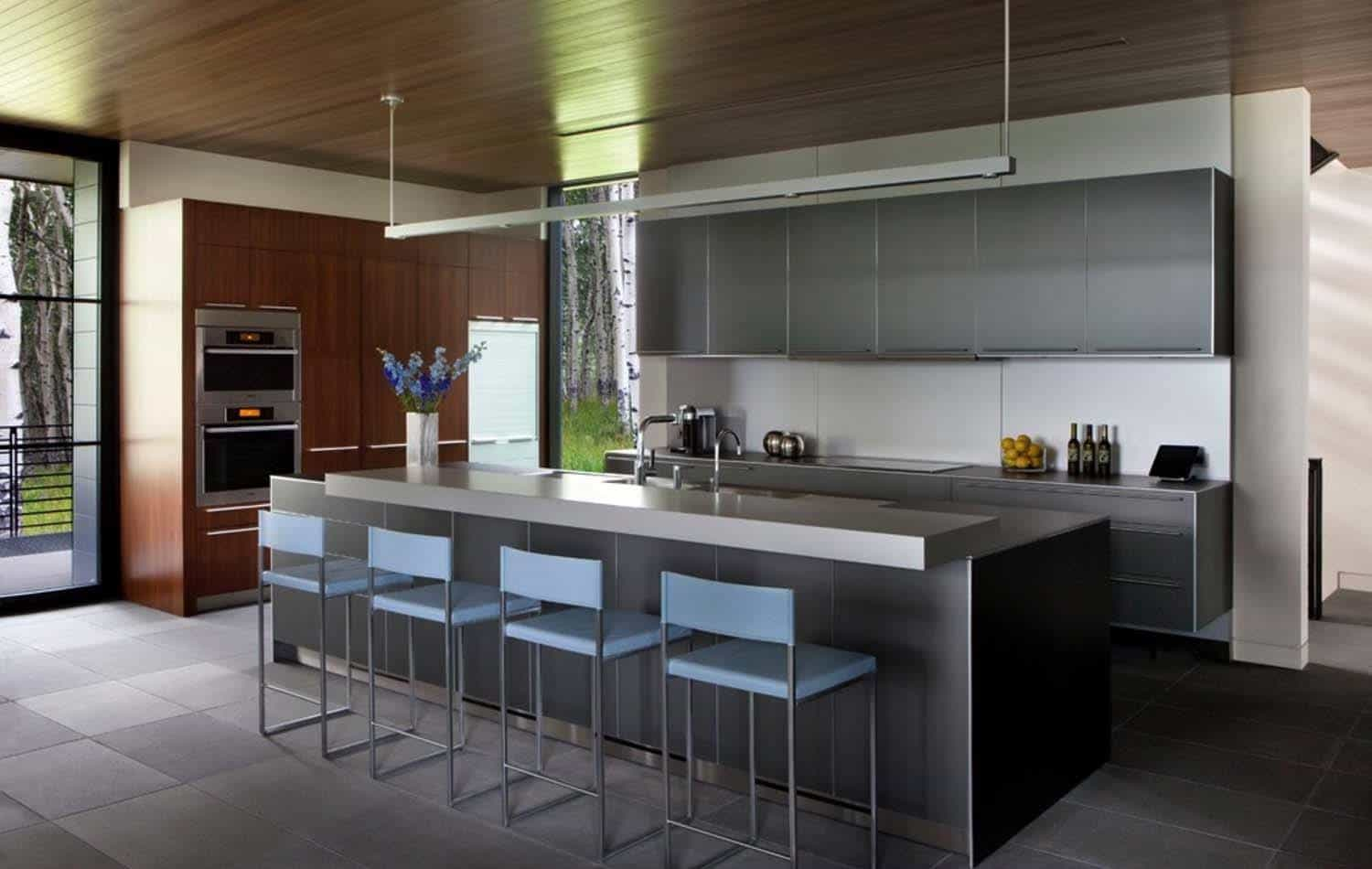 Sleek contemporary dwelling in colorado features a glass for Cuisine americaine design