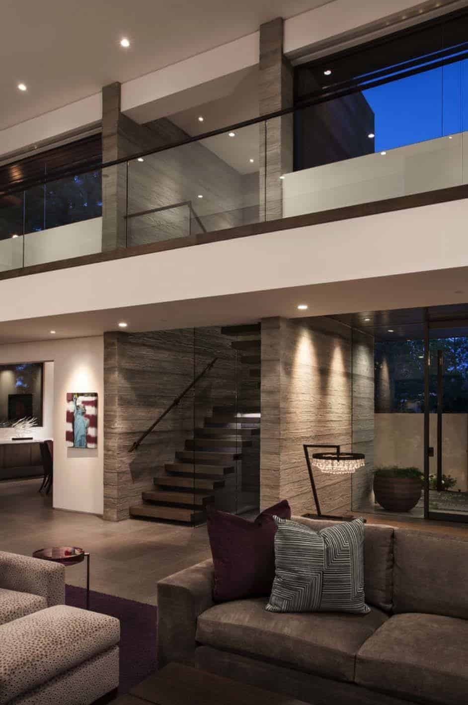 Modest facade reveals sumptuous interiors in corona del mar for Schultz home designs