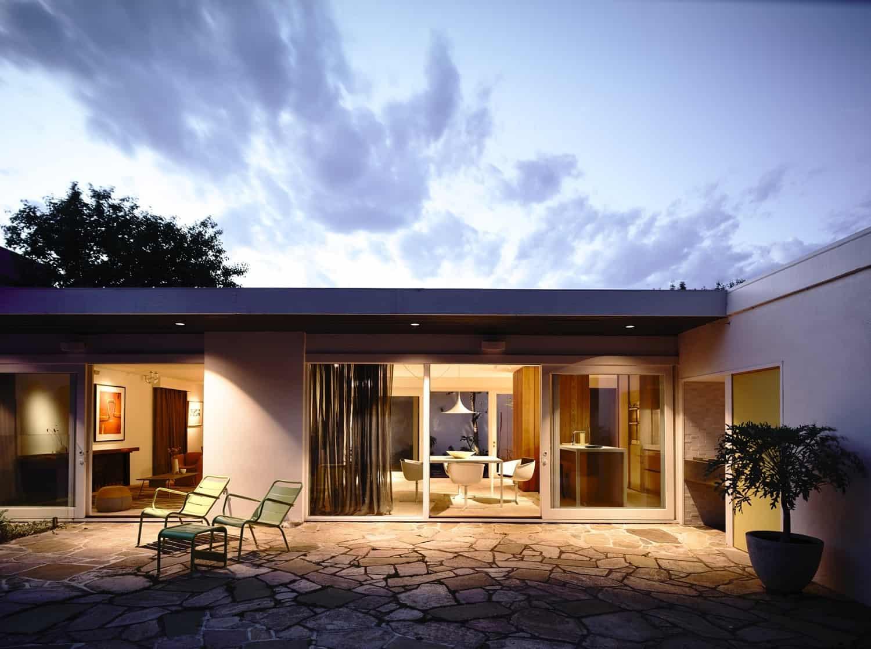 Courtyard House-Kennedy Nolan-01-1 Kindesign