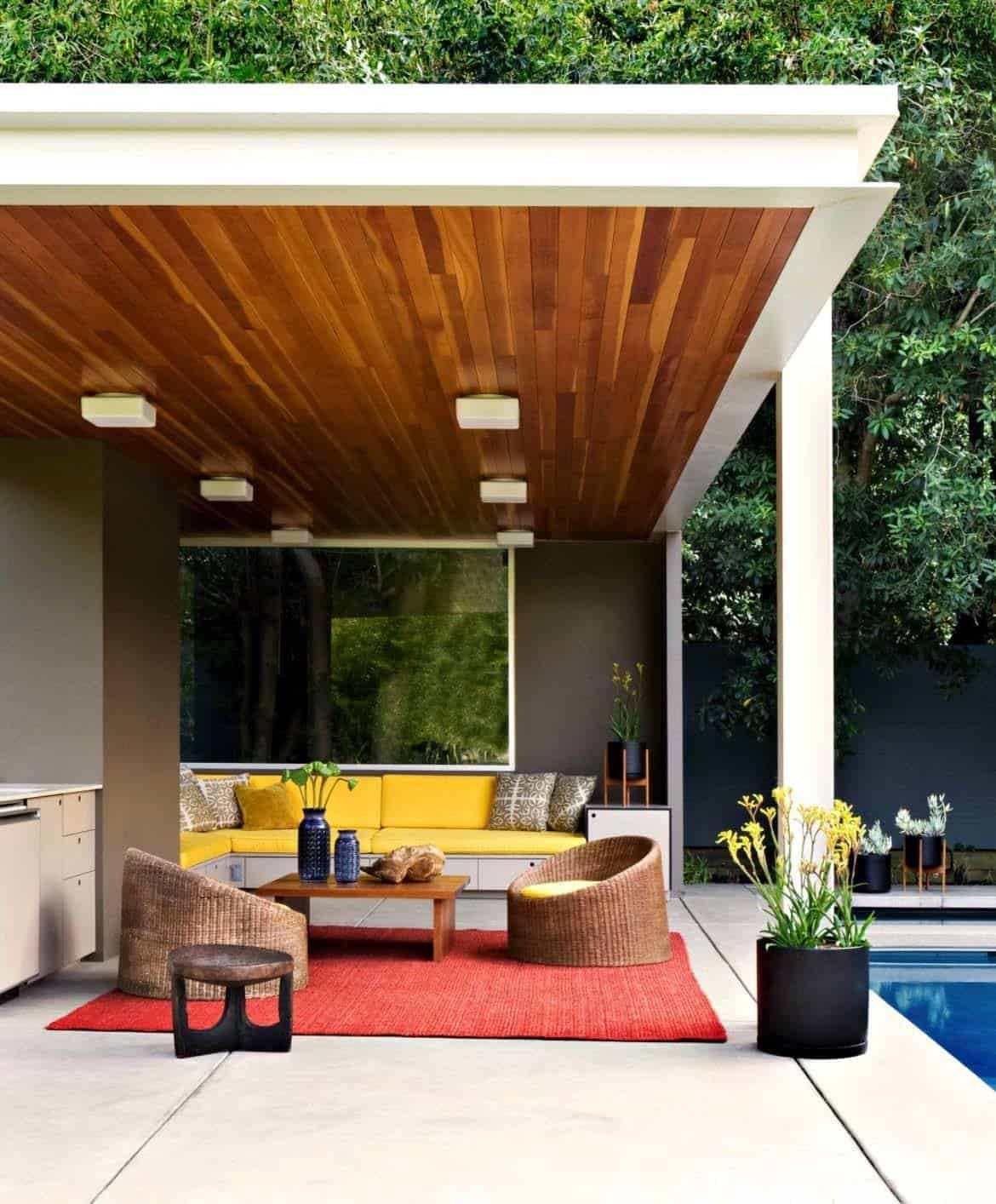 Mid Century Modern House: Playfully Designed Mid-century Ranch House In Brentwood