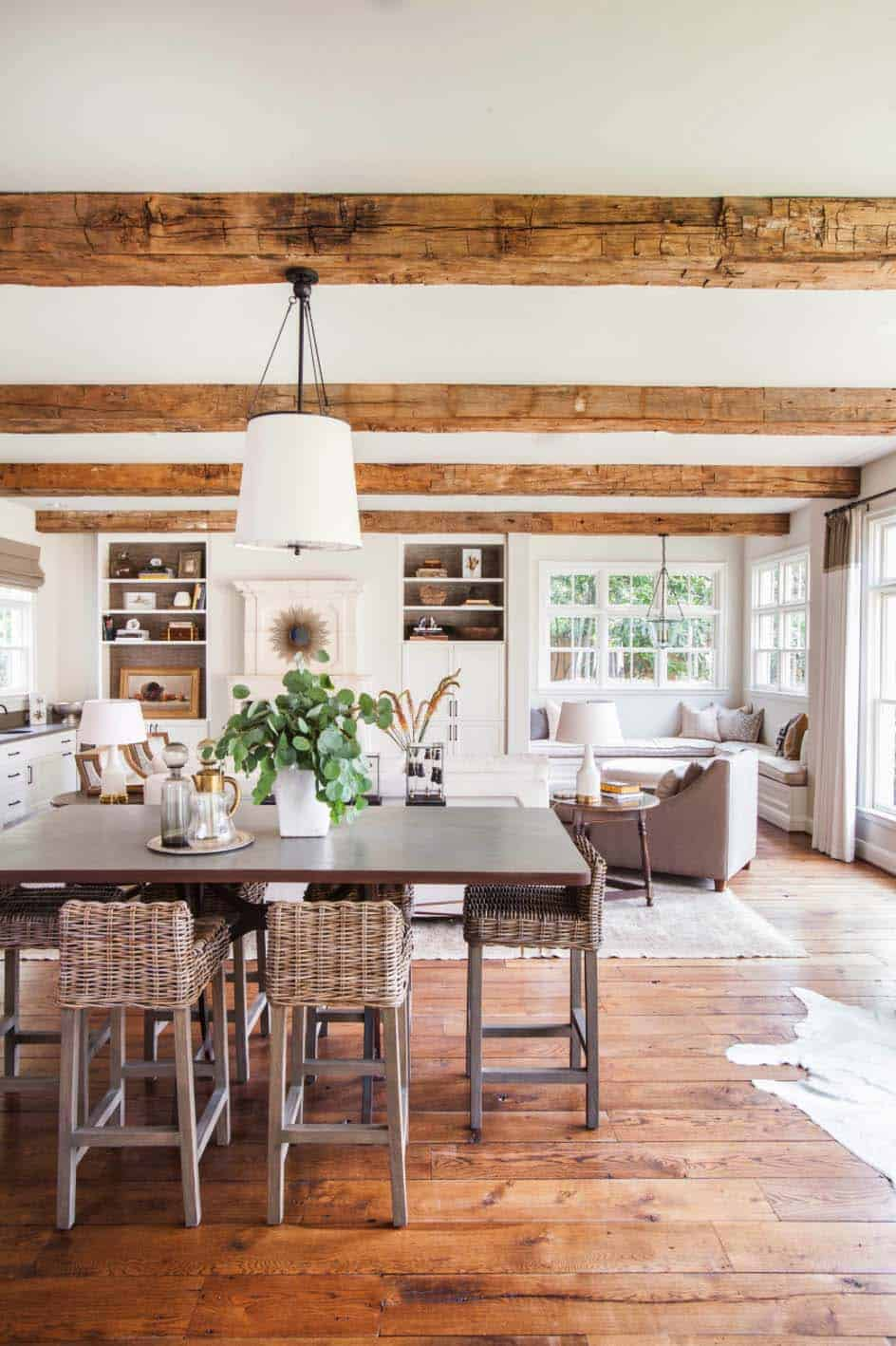 Midcentury Colonial Home-Marie Flanigan Interiors-05-1 Kindesign